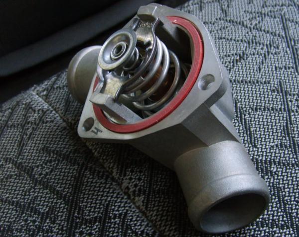 Фото №46 - термостат ВАЗ 2110 замена